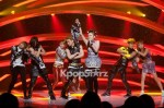 24398-2ne1-s-charming-voice-and-unique-performance-of-i-love-you-captures-m